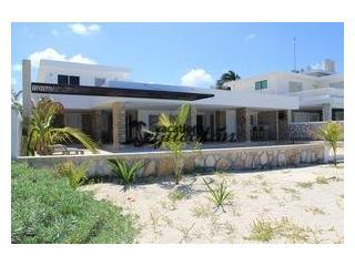 Excelent location, Beautiful house Chicxulub