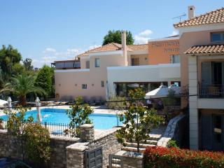 Harmony Hotel Apartments Maisonette KYVELI 3-5 per, Longos
