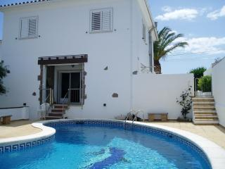 Costabravaforrent Can Pescador, up to 6, private pool, BBQ, L'Escala