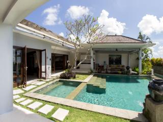 Villa Seratus luxury 1 Bedroom villa with 50m pool #1, Jimbaran