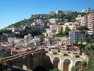CasaFalco, Nápoles