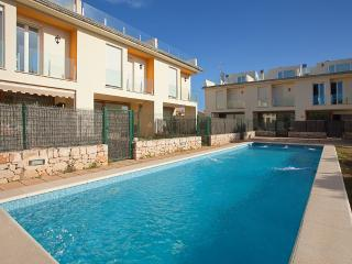 Semidetached house with shared pool in Alcudia L50