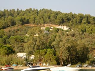 Villa Somervail, Kolios