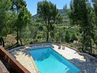 Maison Latche, sleeps up to 8, prvate pool., La Cadiere d'Azur
