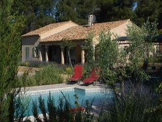 Villa Le Brulat,sleeps up to 10,private pool., Le Castellet