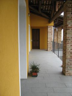 corridoio principale dove avviene l'accesso alle stanze