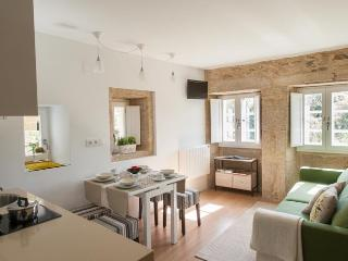 quaint apartment in old town, Santiago de Compostela
