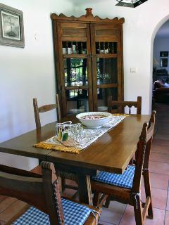 Small breakfast dining room