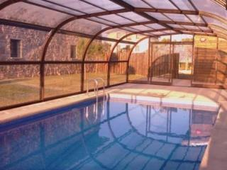 Swimming Pool heated & covered, can be discovered too