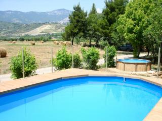Agriturismo: self apartments between mountains/beaches (Small - up to 2/4 p.)