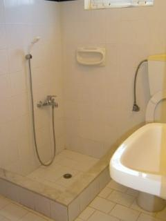 vrachati beach suite bathroom