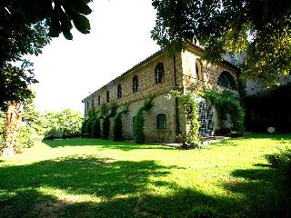 Detached villa with private pool near village, Viterbo