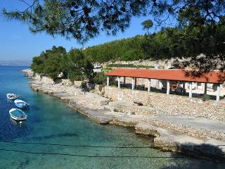 Apartment on the beach, Hvar