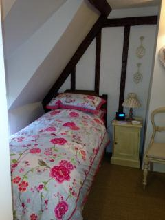 Twin Bedroom (ie 2 single beds)