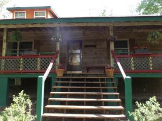 Acorn Cottage, Crossville, TN   Cumberland Plateau