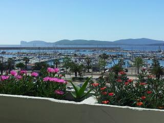 ALGHERO VERY VERY GREAT HOLIDAY HOUSE front SEA with 5 BEDROOMS up to 10 GUESTS