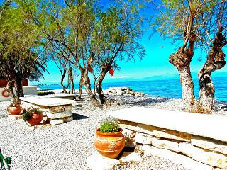VRACHATI BEACH HOUSE, Corinth