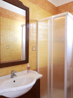 1st flloor bathroom