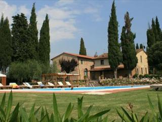 Bucine Estate - Lecci 6 Pax