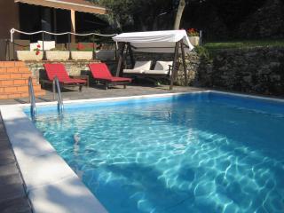 appartamento in villa sul Golfo Paradiso, Recco