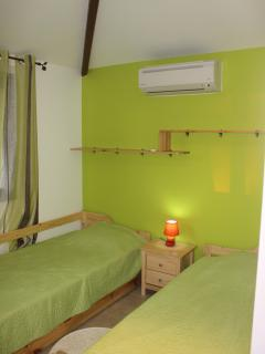 Badamier_chambre_climatisée_2lits_90
