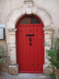 La porte du domaine des vins du Clos st Magdelaine a Cassis