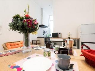 Colosseo wide  2 bedrooms 2 bathrooms bright flat.