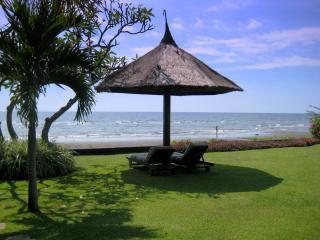 Bali Villa Asmara, Dencarik