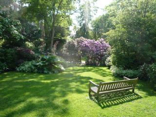 Elgin Crescent, W11-Sunny, Romantic, Notting Hill