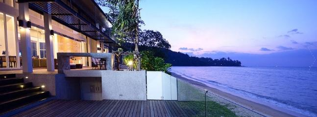 BEACH FRONT 4 BED LUXURY VILLA  IN KAMALA
