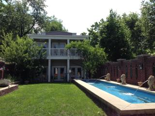 Pool/Outdoor space you have access to. Great for a glass of wine or coffee!