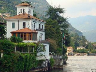 Riva del Lago, Moltrasio