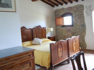 double bedroom in the Tuscan countryside nearby  Volterra