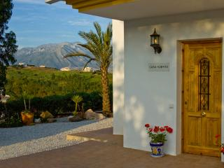 Casa Huerto - Beautiful Villa with Private Pool, Los Romanes