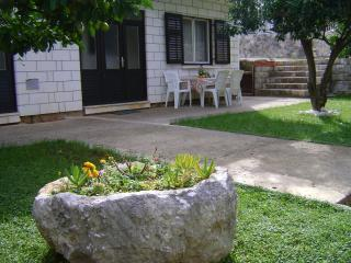 Apartments Garden -One-Bedroom Apt with Terrace 4A, Cavtat