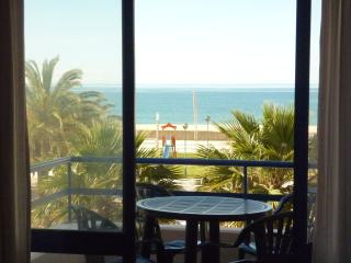 Algarve beach, terrace&BBQ, Quarteira