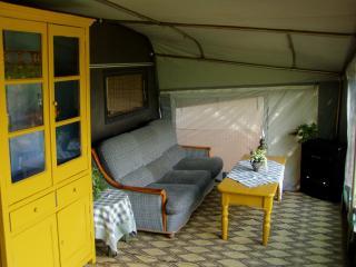 nice caravan, nearby Beaune, Dijon, Autun, Saulieu, Arnay-le-Duc
