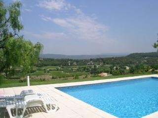 Maison Des Enfants sleeps up to 10,private pool., Bandol