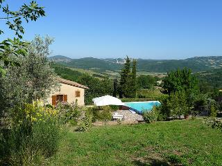 Exclusive Tuscan cottage with pivate pool and garden set in beautiful rural surroundings