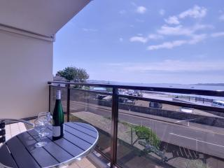 Stunning harbour sea views from three bedroom town house in Poole Quay