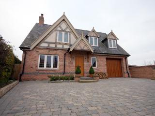 ashgrove house and driveway