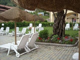 Mezzegra Villa Sleeps 8 with Pool and WiFi - 5228674