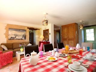 Grande suite Familiale 2-5 Personnes, Saint-Avit-Senieur