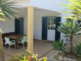 One bedroom apart. in country near beach, Moncarapacho