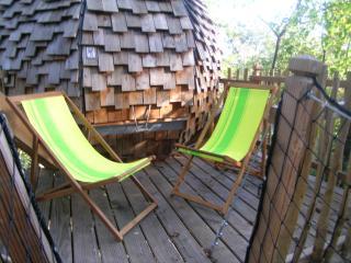 Le Lov Nid : passez 1 nuit insolite dans une cabane perchee a 3 km Bergerac