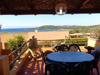 """Villetta """"Obino"""" vista mare, Palau"""
