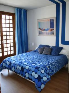 la chambre bleue avec balcon