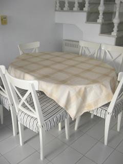 Dining area table for six