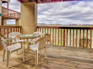 Branson Condo | Eagles Nest | Indian Point | Silver Dollar City | Lake Views (3010603)