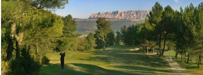 Golf 18 trous accessible à pieds / the golf course is within walking distance